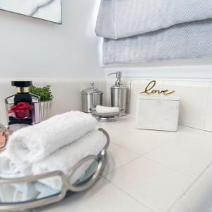 studio 9 interior design bath decor